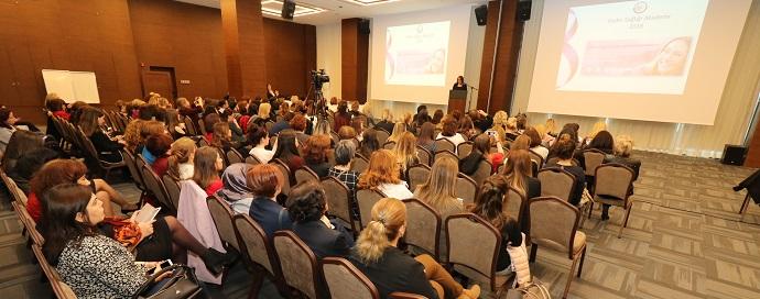 <h1>Kadın Eczacılar Ankara'da Bir Araya Geldi</h1>