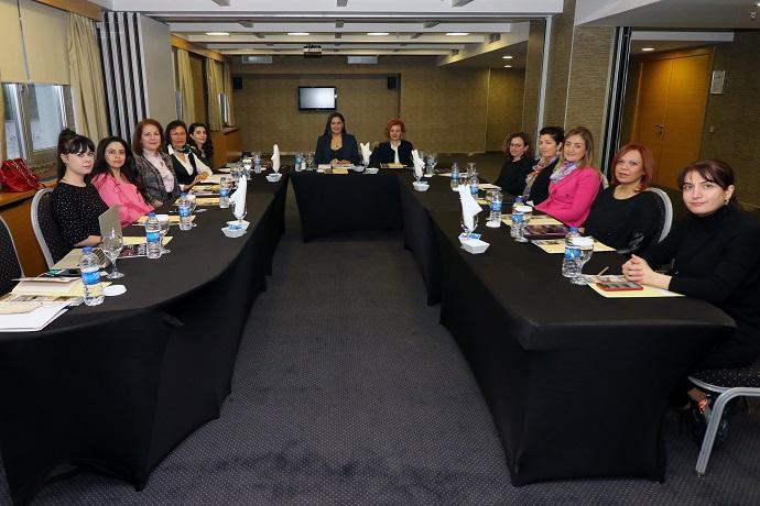 <h1>Kadın Eczacılar Çalışma Grubu Toplantısı</h1>