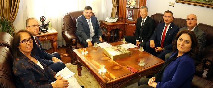 <h1>Sağlık Bakanı Yrd. Ahmet Baha Öğütken'i Ziyaret</h1>